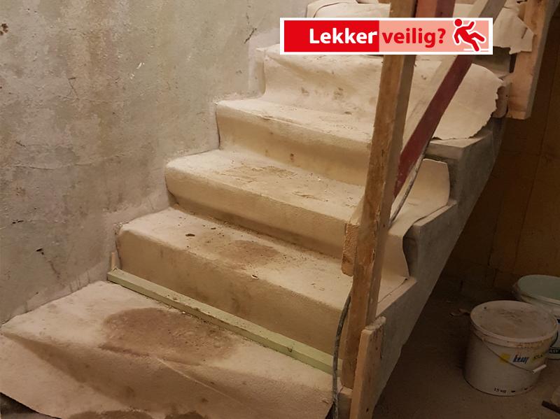 Lekker_veilig_Stucloper_op_trap_1