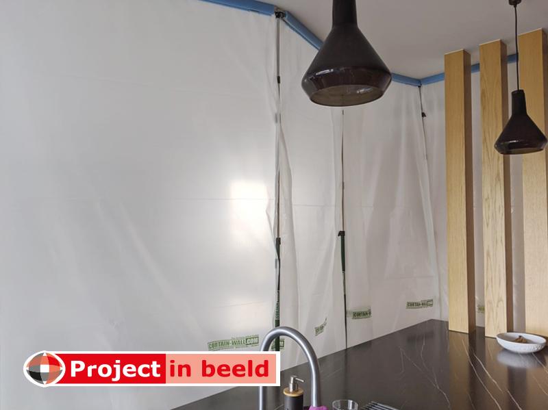 Project_in_Beeld_Curtain-Wall_keuken_verbouwing_beschermen_stofwand