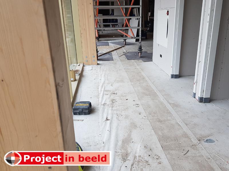 Project_in_Beeld_PrimaCover_Active_Bouwbeurs_nieuwbouw_zwembad_afdekken_gang_gevlinderd_beton_beschermen